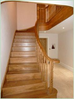 A & T Carpentry splayed staircase